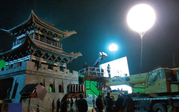2015_China_The_Great_Wall_set_lighting_with_Matt_Damon_WEB